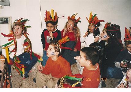 משתתפים בחגיגה