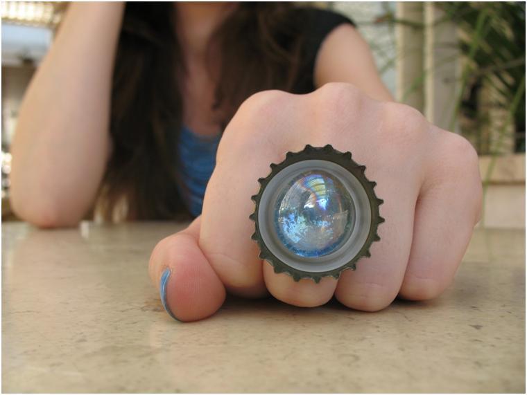 טבעת עם נגיעות צבע