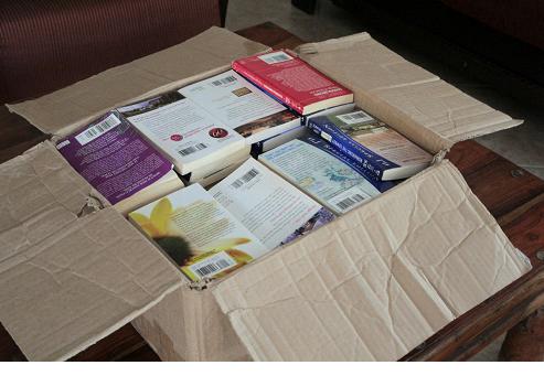 ארגז ספרים מוכן לסגירה